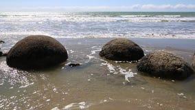 Moeraki głazy w wodzie zbiory