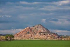 Moeras en de zwarte bergen, slagheap Royalty-vrije Stock Afbeeldingen
