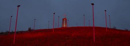 Moers Alemania de la estatua de la explotación minera de Geleucht en la noche Foto de archivo