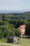 Moesgaard-Villa mit alter Wikinger-Daubenkirche, Aarhus, Dänemark Lizenzfreies Stockbild