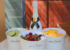 Moet和尚东香槟提出了在国家网球中心在美国公开赛期间2014年 库存照片