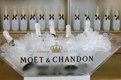 Moet i Chandon szampan przedstawiający przy narodem Obraz Stock