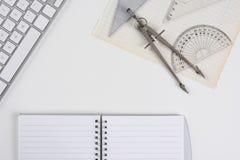 Mofa de elaboración del escritorio para arriba Imagenes de archivo