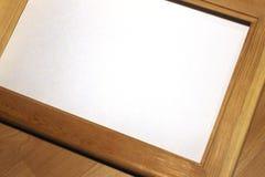 Mofa del cuaderno para arriba para las ilustraciones con las pinturas de la acuarela, paleta, vidrio de agua y brochas Herramient Fotografía de archivo