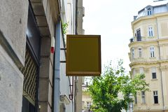 mofa del letrero para arriba Letrero del espacio en blanco de la foto mensaje o publicidad imagenes de archivo