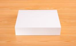 Mofa en blanco de la caja blanca para arriba Fotos de archivo