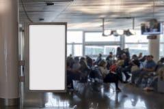 Mofa en blanco de la cartelera para arriba en un aeropuerto Foto de archivo libre de regalías