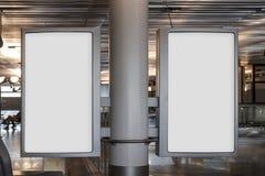 Mofa en blanco de la cartelera para arriba en un aeropuerto Fotografía de archivo libre de regalías