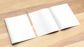 Mofa en blanco del folleto del tamaño del doblez A4 del BI para arriba en fondo de madera 3d foto de archivo libre de regalías