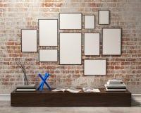 Mofa encima de marcos de los carteles Foto de archivo