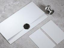 Mofa para arriba con el sello del sobre y del sello foto de archivo libre de regalías