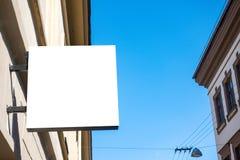 Mofa para arriba Letrero vacío de la tienda o del restaurante en la pared Fotos de archivo libres de regalías