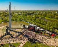9 mogą świętowanie w Ryskim, Latvia 40 zwalczają się już dni chwały wieczne faszyzm kwiatów pamięci bohaterów honoru dużych nieat Zdjęcie Royalty Free