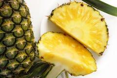 mogen ananas Royaltyfria Bilder