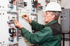 mogen elektriker Royaltyfria Bilder
