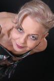 mogen gående lady för forewa Fotografering för Bildbyråer