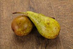 mogen gr?n pear fotografering för bildbyråer
