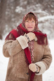 mogen kvinna för sjalett Royaltyfri Bild