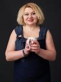 Mogen le kvinna Fotografering för Bildbyråer