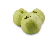 Mogen söt guava på vit Royaltyfri Foto