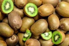 mogen saftig kiwi arkivfoton
