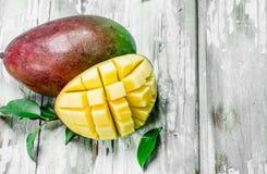 Mogen saftig mango arkivfoto