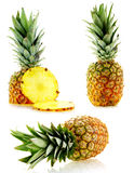 mogen set för nya ananas Arkivfoton
