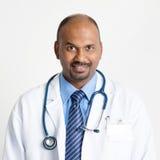 Moget indiskt le för doktor royaltyfria foton
