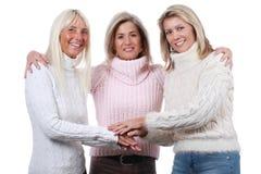 Moget slut för kvinna tre tillsammans Fotografering för Bildbyråer