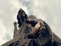 MOGILEV, БЕЛАРУСЬ - 27-ОЕ АПРЕЛЯ 2019: скульптура stargazer на квадрате стоковое изображение