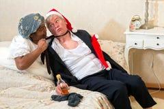 Moglie arrabbiata e marito ubriaco Immagini Stock Libere da Diritti