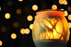 Mogna gula mousserande nattljus för abstrakt begrepp Arkivfoton