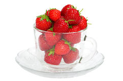 Mogna jordgubbar i en glass bunke Arkivbild