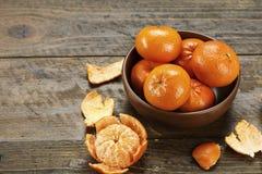 Mogna mandariner i en platta Fotografering för Bildbyråer