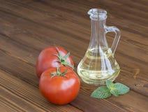 Mogna saftiga tomater Arkivbild
