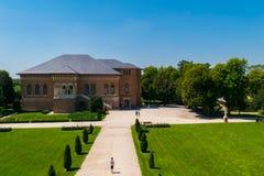 Mogosoaia, Румыния - 5-ое августа 2018: Люди посещая дворец Mogosoaia около Бухареста, Румынии Стоковое фото RF