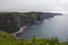 moher峭壁在克莱尔co 爱尔兰 图库摄影