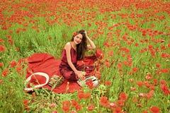 Mohnblume, Erinnerung oder Anzac Day Frauengesichtsschönheit lizenzfreie stockfotos
