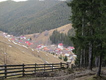 Moieciu de Jos, του χωριού άποψη Στοκ εικόνα με δικαίωμα ελεύθερης χρήσης