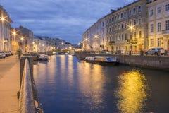 Moika-Fluss nahe der Nevsky-Allee, St Petersburg, Russland Lizenzfreies Stockbild