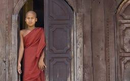 Moine bouddhiste dans Myanmar (Birmanie) Image libre de droits