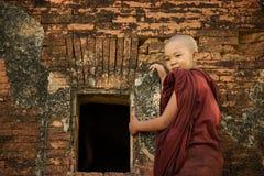 Moine bouddhiste de novice photographie stock