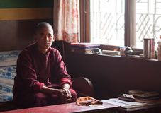 Moine bouddhiste en monastère de Seto Gumba photo stock