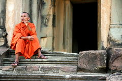 Moine chez Angkor Wat Photographie stock