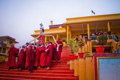 Moines bouddhistes de monastère de Gyuto, Dharamshala, Inde photographie stock