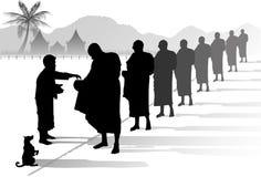 Moines bouddhistes rassemblant l'aumône Images stock