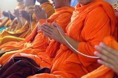 Moines des rituels religieux Images libres de droits