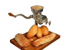 Moinho da grão do vintage com pão Foto de Stock Royalty Free
