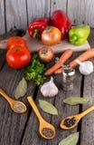 Moinho de pimenta dos vegetais do fundo do alimento biológico Foto de Stock Royalty Free