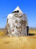 Moinho de vento abandonado imagem de stock